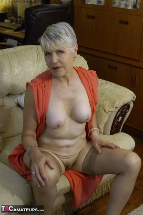 Blonde Milfs Pics